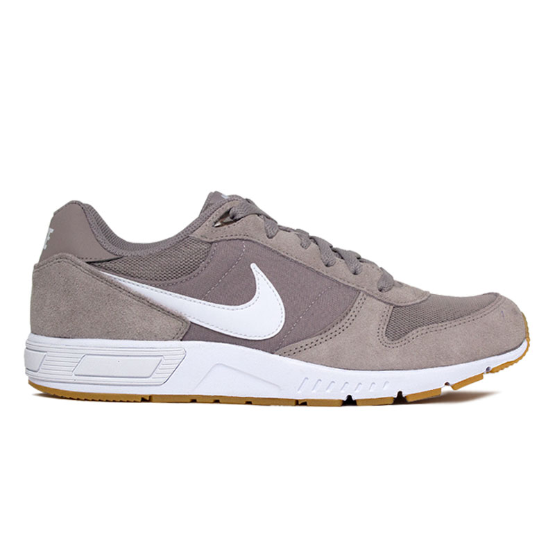 NIKE NIGHTGAZER WHITE-GUM LIGHT BROWN
