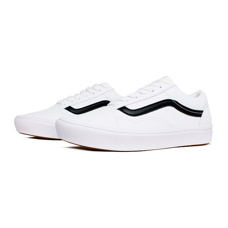 Vans comfycush old skool true white leather 1