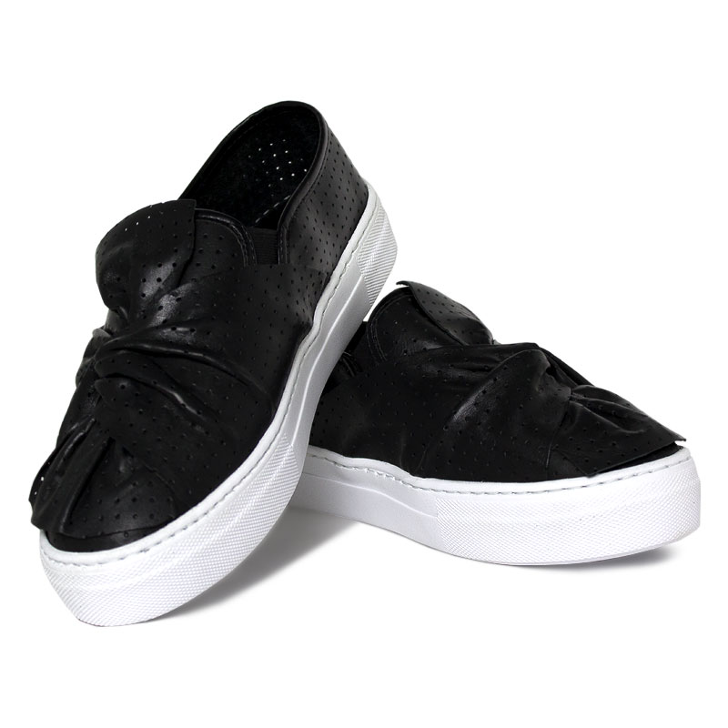 Slip on laco multipontos preto 1